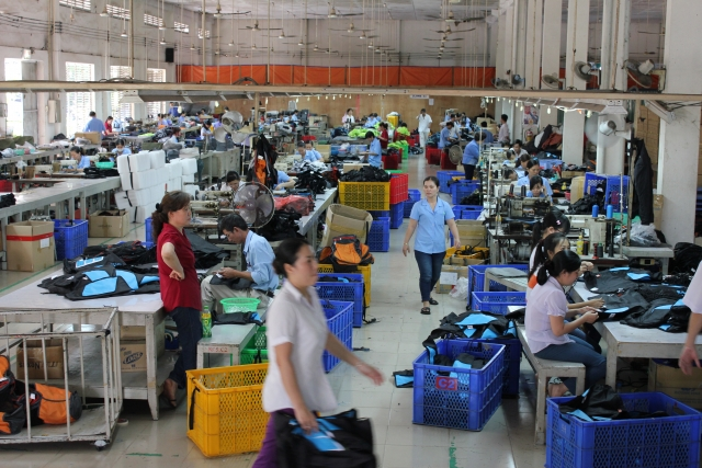 ベトナム 実習 生の勤務風景