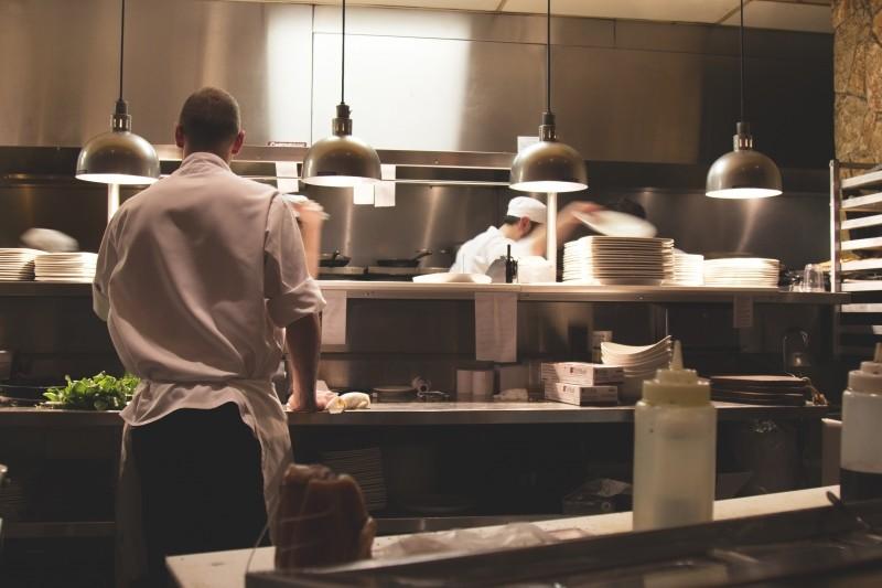 kitchen-work-restaurant-cook-chef-professional