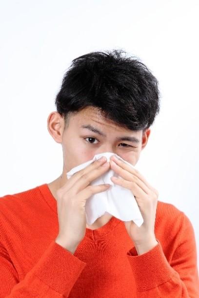 あらゆる年齢層のお悩み!急性鼻炎通称「鼻かぜ」の特徴と対処法