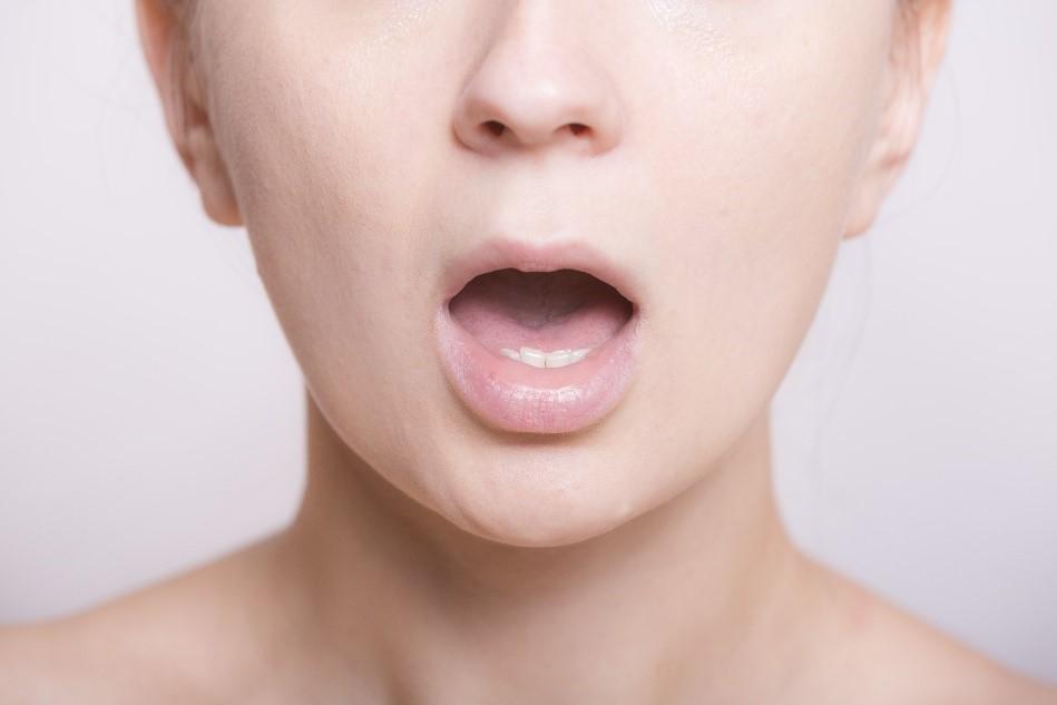気になるお口のニオイ・・・口臭を解消する最新の方法とは?