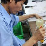 ベトナム人の働く男性